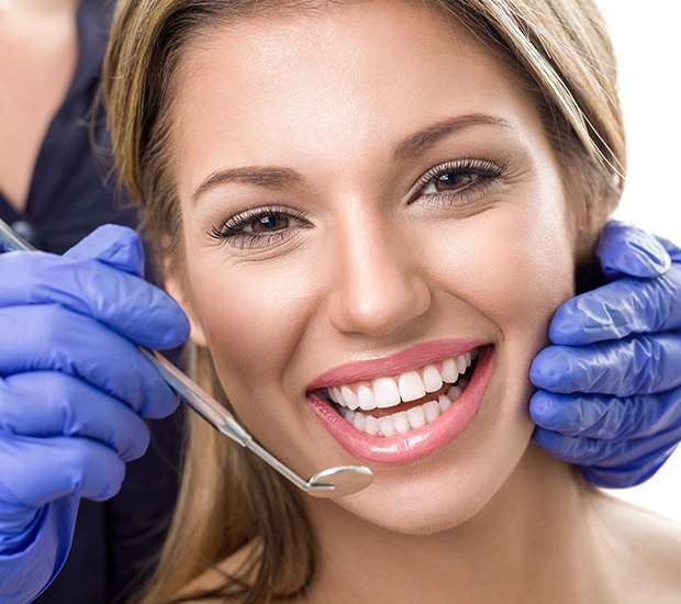 Anderson Teeth Whitening at Dentist